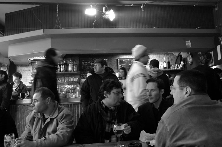 Bar Life - Porte de Clingancourt ~ 23 photos of Paris, France #StreetPhotography