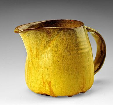 fabionardini:Creamer from the Yellow Luncheon Service for Six by Beatrice Wood (via Pin de Anita Clifford)