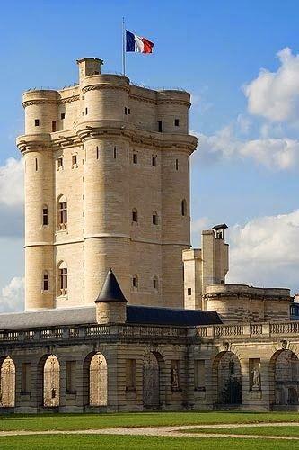 Chateau Vincennes in Val-de-Marne, Paris  http://www.pinterest.com/adisavoiaditrev/boards/