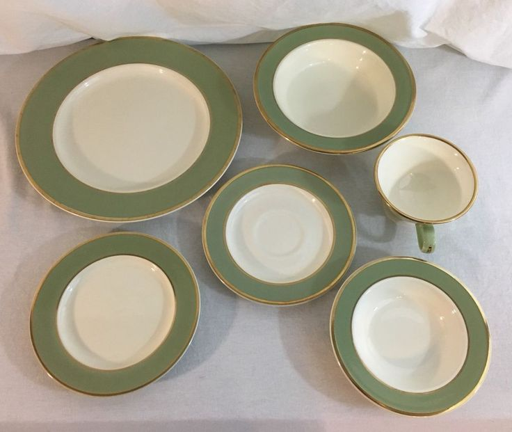 Taylor Smith Taylor Classic Heritage Celadon Green 6 piece place setting #TaylorSmithTaylor
