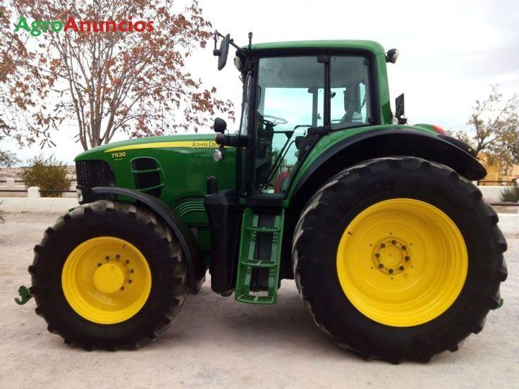 Venta de Tractor agrícola John Deere 7530 en Granada