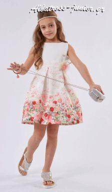 #Φόρεμα λευκό , από την ΕΒΙΤΑ για ξεχωριστές στιγμές. Σε όλο το μήκος του υπάρχουν φανταστικές συνθέσεις λουλουδιών. http://albatross-junior.gr ➡️ΜΟΝΟ 26€