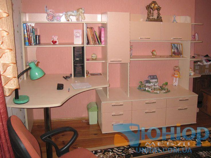 Детская мебель в светло розовых тонах