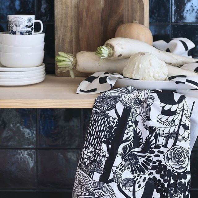 This goes with that! Buy 2 kitchen textiles and get 20% off or buy 3 or more items and receive 30%. Explore more in store or online, link in bio. . . . #kitchentextiles #bundleoffer #thisgoeswithhat #mixandmatch #marimekko