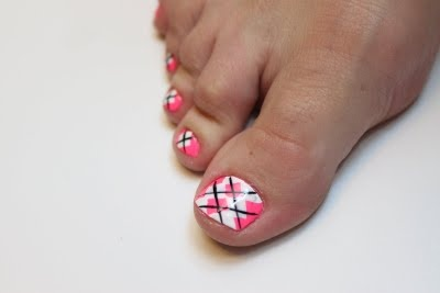 tutorial-how to do argyle design on toes
