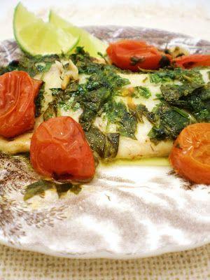 Pescada Branca com Pesto Rústico de Ervas e Tomatinhos assados | Figos & Funghis