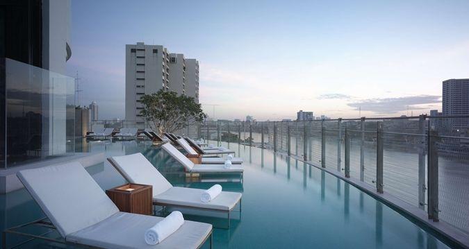 Millennium Hilton Bangkok Hotel - Infinity Pool
