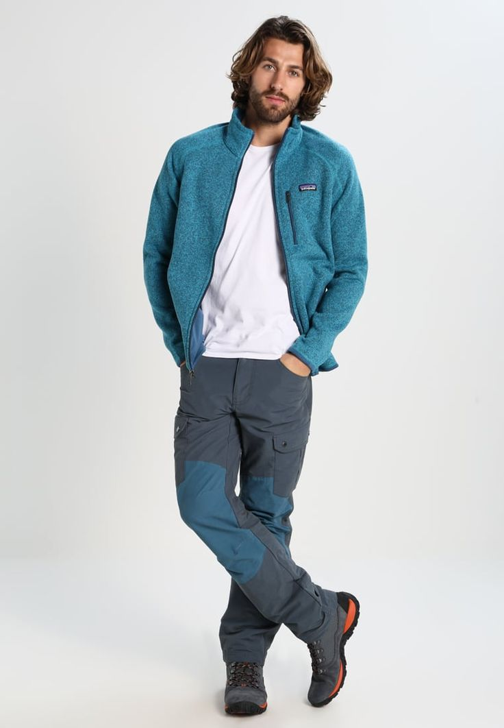 ¡Consigue este tipo de pantalón básico de Columbia ahora! Haz clic para ver los detalles. Envíos gratis a toda España. Columbia TWISTED DIVIDE Pantalón de tela mystery/blue heron: Columbia TWISTED DIVIDE Pantalón de tela mystery/blue heron Deporte   | Material exterior: 78% algodón, 22% nylon | Deporte ¡Haz tu pedido   y disfruta de gastos de enví-o gratuitos! (pantalón básico, basic, basico, basica, básico, basicos, casual, clasica, clásico, clasicas, clásicas, clásicos, clá...