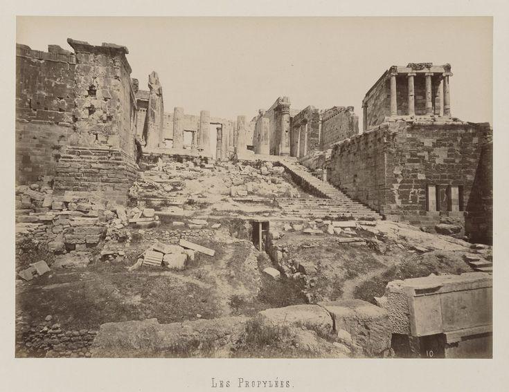 Athènes. Vue de l'entrée ouest de l'Acropole © Musée Guimet, Paris, Distr. Rmn / Image Guimet