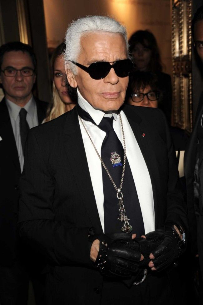 Even fashion king Karl Lagerfeld knows the importance of a good white shirt!