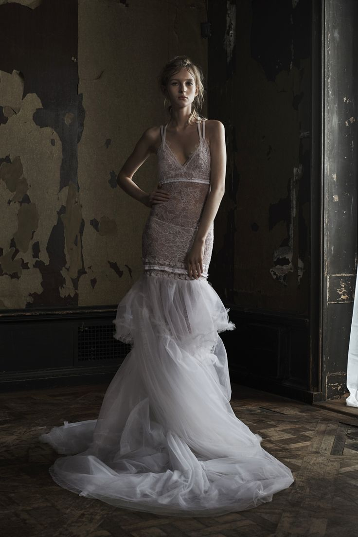 See Vera Wangs Slightly Grungy Latest Bridal Collection