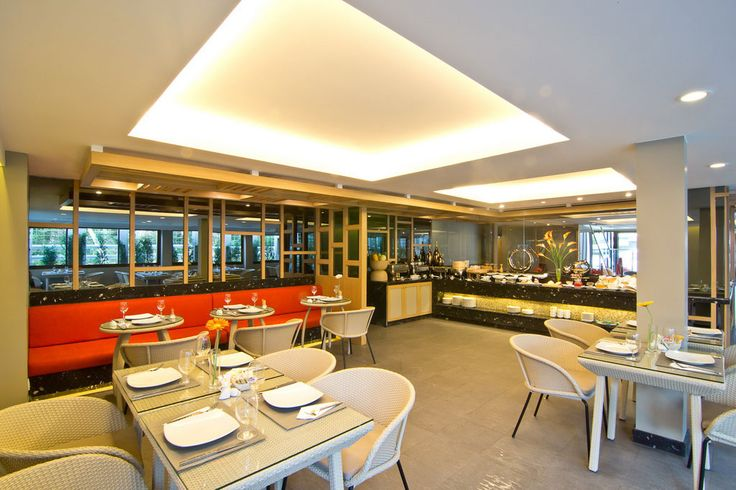 The Seashell restaurant, for delicious dinner and divers breakfast every day. #restaurant #Sparesort #Hotel #TheRock #Beach #HuaHin #Thailand