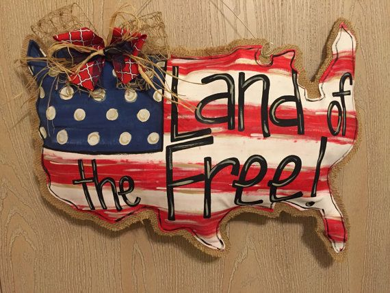 Show your patriotism by ordering one of these fun USA door hangers for Memorial Day, July 4th, Veterans Day, and more!  Made from burlap and
