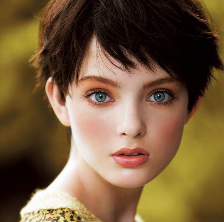 CHANEL |CHANEL 森の色を夢見て|ファッション、ブランド、モードの情報満載「SPUR.JP(シュプールジェーピー)」|HAPPY PLUS(ハピプラ)