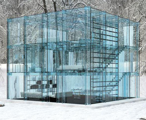 Les architectes italiens Carlo Santambrogio et Ennio Arosic du studio Santambrogio ont créé deux maisons composées essentiellement de verre aux teintes de bleu. Des bibliothèques aux sommiers des lits, tout est en verre, créant ainsi une ligne fluide de la vision dans les structures et une transparence unique de l'ensemble.
