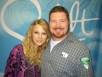 """Radio personality turned stay at home dad... Says """"I've gone from hanging with Taylor Swift to hanging with a Swiffer"""""""