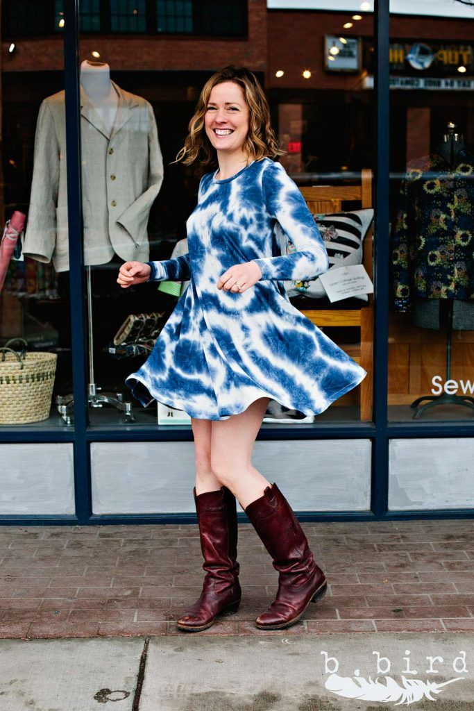 An Ebony Dress sewn up by Jane https://www.theconfidentstitch.com/blog/2017/03/21/closet-case-ebony-dress-rayon-knit/