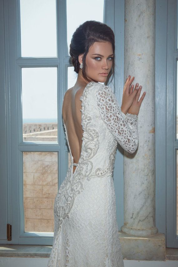 Perfect fit with an open back- meet Fiona #7131- Jaklin Studio