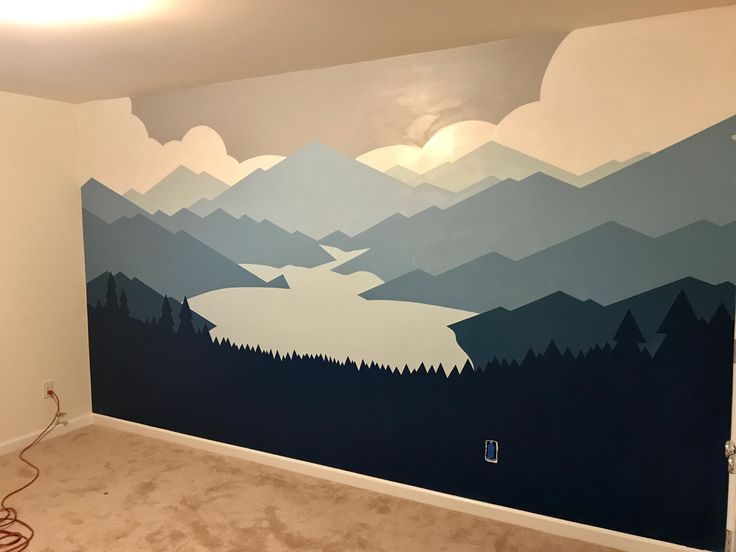 Das Wandbild im Kinderzimmer. Ich brauchte ein paar Tage Planung und einen ganzen Samstag und einen halben Sonntag, um zu malen. Ich finde es wunderbar. Ich freue mich darauf, den Rest des Raumes bemalen und beschneiden zu lassen