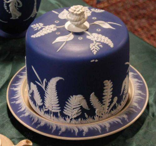 JASPERWARE CAKE DISH AND COVER  Absolutely stunning.