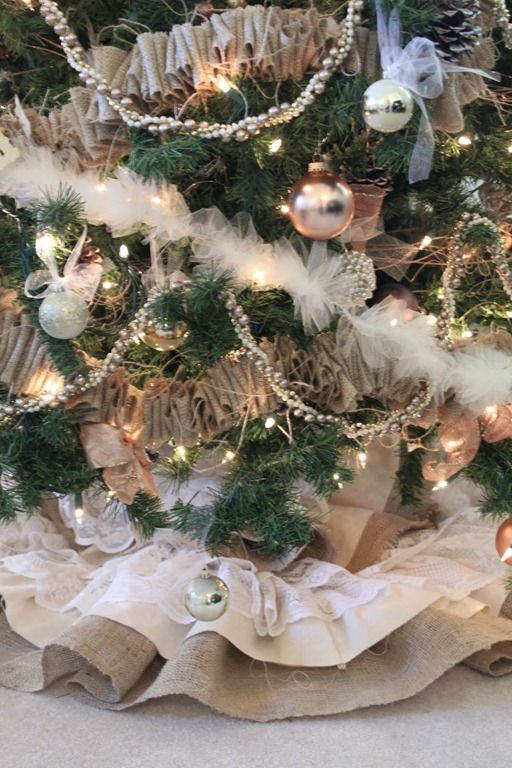 decorating with burlap christmas | Christmas tree adorned with burlap ribbon and a beautiful burlap ...