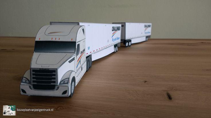Paper model Freightliner Cascadia LCV found at bouwplaatvanjeeigentruck.nl (https://bouwplaatvanjeeigentruck.wordpress.com/2017/04/28/bouwplaat-van-je-eigen-freightliner-cascadia-long-combination-vehicle/)