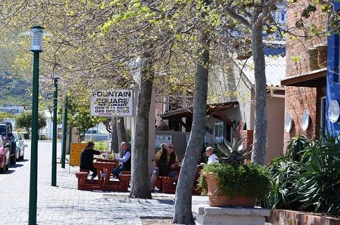 Choice of coffee shops and eateries along Harbour Road in Kleinmond. #kleinmond #harbour #coffeeshops