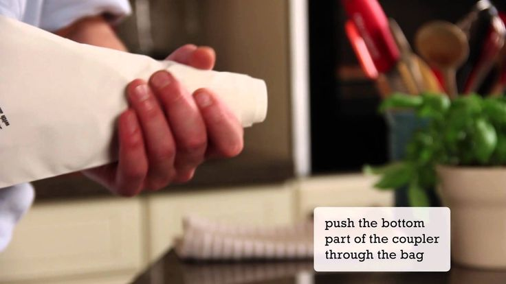 How to assemble a piping bag | Kitchen Stories