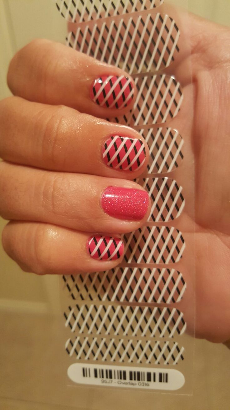 Jamberry: Kiss Laquer layered under Overlap wraps. Accent nail with Touch of Sparkle coat on short nails.Visit busymamasjamwagon.jamberry.com