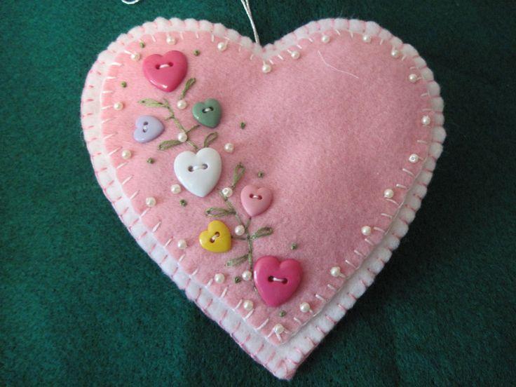 Pretty button heart