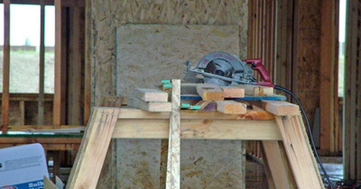 Como fazer em casa uma bancada de serra de esquadria. A serra de esquadria é uma das ferramentas elétricas mais úteis em qualquer loja ou garagem. Sua capacidade de fazer vários cortes angulares a torna imprescindível para instalar sancas e, com sua cabeça giratória, faz cortes de comprimento múltiplo com rapidez e eficiência. A desvantagem desta ferramenta, no entanto, está em seu tamanho. A ...