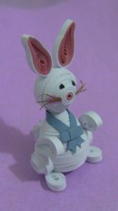 Wow, this is awesome! A 3D quilled #Easter bunny!