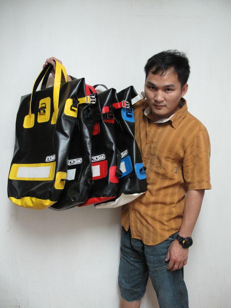 #CYCBAK #waterproof #messenger #bag #drybag #urban #lifestyle#messengerbag #fixedgear #fixie #messenger #backpack #courier