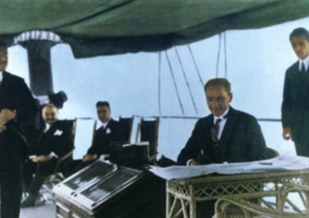 Atatürk'ün renkli fotoğrafları