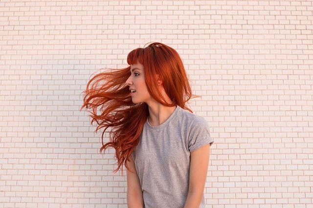 Instagram media by isabela.marra - THIS GIRL IS ON FIRE 🔥 @andre_esf • • • • • #picnikbsb #amoracobreado #ruiva #redhead #redhair #ginger #hairgoals #acervofotografico #caixafotografica #parededevidro #vsco #brasilia #ruivasbsb #brasília #ruivosdobrasil #girl #photograph #museum #arquitetura #quietthechaos #goals #summer #tumblr #minimalist #style #moda #fox #garotasaoarmas