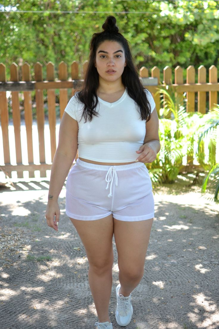 Short and chubby woman — photo 15