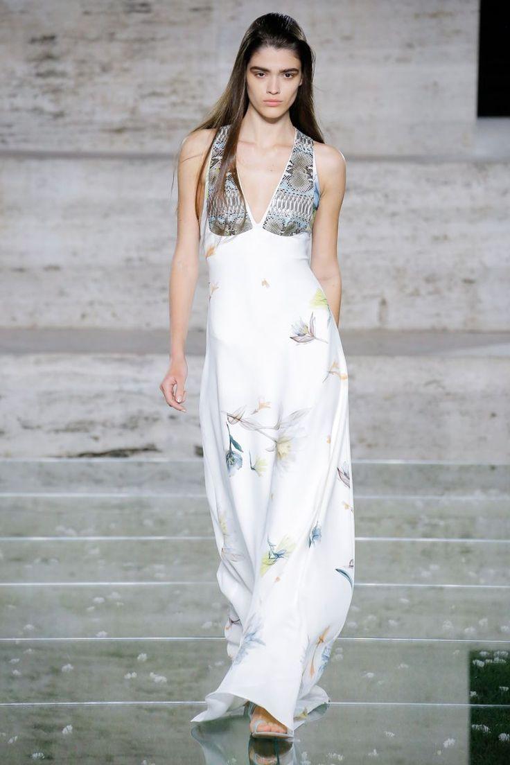Salvatore Ferragamo Spring/Summer 2018 Ready-To-Wear | British Vogue