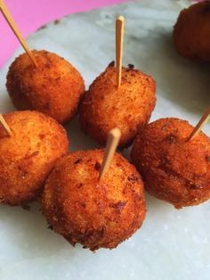 Easy and quick tea time snack, ready in 15 min. U can enjoy it with hot tea in this rainy weather SOOJI BOMBS Ingredients :- 1 cup s...