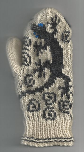 Ravelry: Project Gallery for Gecko Mittens pattern by Julie Hamilton