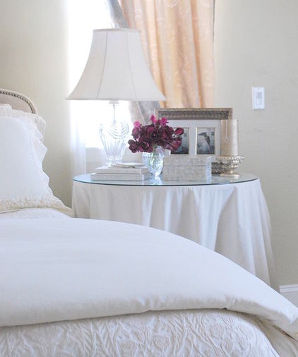 13 Simple Steps to a Perfectly Made Bed:  Drift off to dreamland in a delightfully soothing, artfully dressed bed worthy of a posh hotel