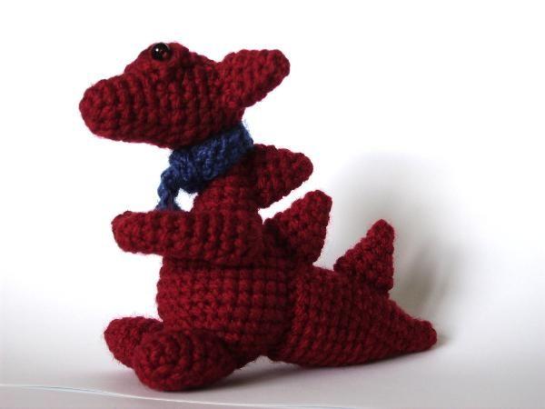 Mały Smauglock :)  Do zrobienia go wykorzystałam ten wzór http://www.crochetme.com/media/p/94683.aspx