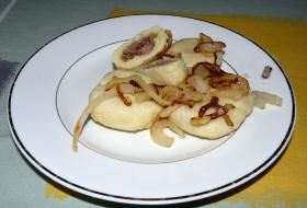 Plněné bramborové knedlíky