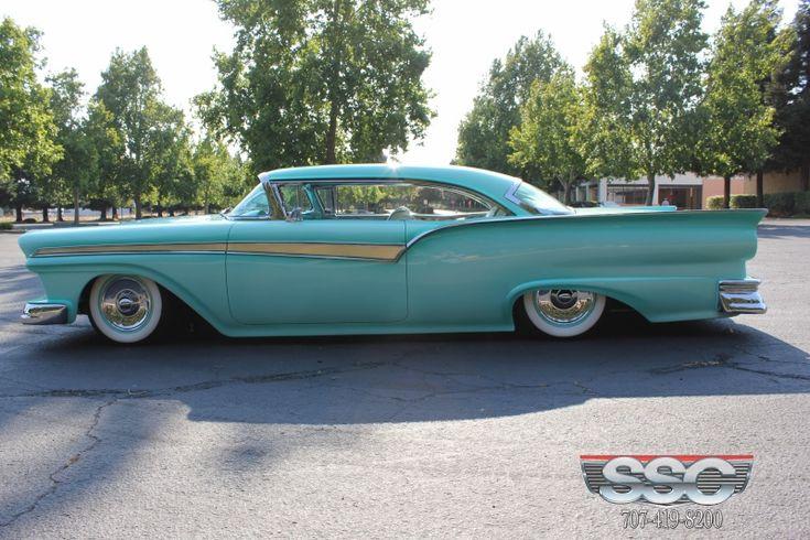 Kustom Kingdom: Ford Fairlane 1957 Custom - Richard Zocchi - John Aiello