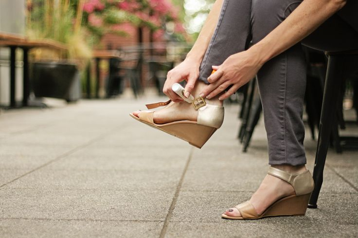 Bobbie's Buzz: Functional and fashionable footwear trends