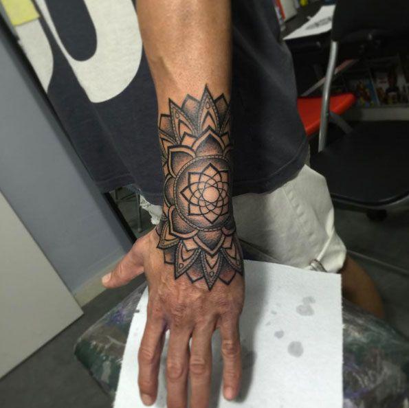 Mandala wrist piece by Jilguer