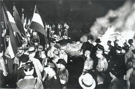 Autodafé, Berlin. (1933)