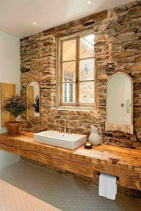 Muebles de baño rústicos Los muebles de baño rústicos son un estilo excelente para casas de campo o para aquellos que quieren traer ese toque a la ciudad. La madera predomina tanto para vanitoris como para accesorios de guardado.