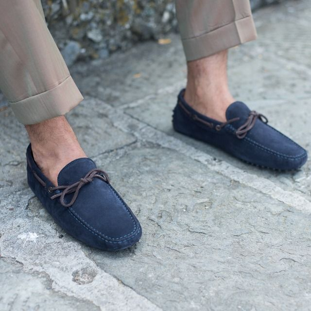 """Create your own visual style... let it be unique for yourself and yet identifiable for others."" Orson Welles  Nòbil, our #mocassins in blue suede leather available online at www.velasca.com. Link in profile to #shop.  #velascamilano #madeinitaly #shoes #shoesoftheday #shoesph #shoestagram #shoe #fashionable #mensfashion #menswear #gentlemen #mensshoes #shoegame #style #fashion #dapper #men #shoesforsale #shoesaddict #sprezzatura #dappermen #craftsmanship #handmade #boatshoes"