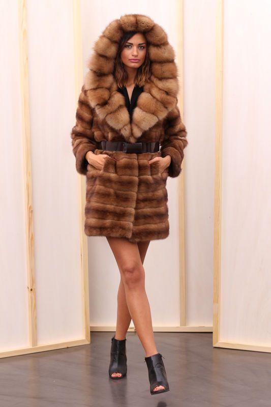 Pelz pelzmantel mantel nerz zobel jacke fur coat mink for Bilder fur kuchenwande