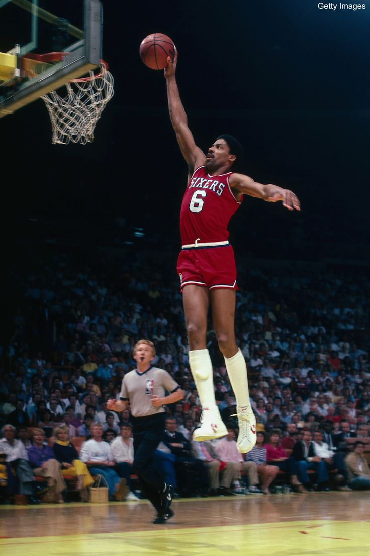 Julius Erving soars to the basket for an uncontested dunk against the Los  Angeles Lakers in 1986